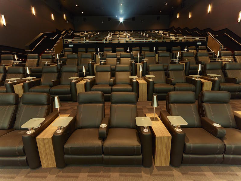 Cin polis westlake village watch movies in luxury for Sala 4d cinepolis