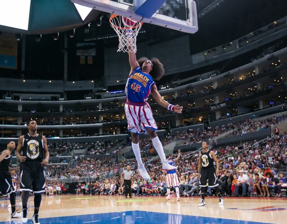Harlem Globetrotters - Moose Weekes dunk