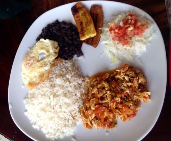 costa rica with kids típica costa rican meal